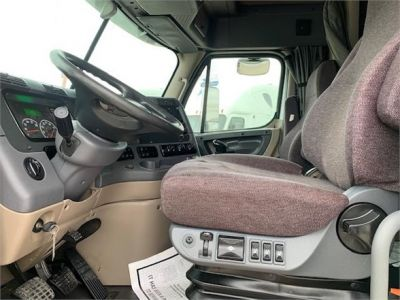 USED 2012 FREIGHTLINER CASCADIA 125 SLEEPER TRUCK #3193-16