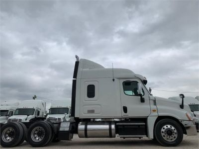 USED 2012 FREIGHTLINER CASCADIA 125 SLEEPER TRUCK #3193-4