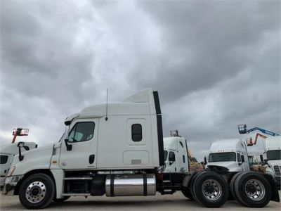 USED 2012 FREIGHTLINER CASCADIA 125 SLEEPER TRUCK #3193-5