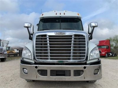 USED 2012 FREIGHTLINER CASCADIA 125 SLEEPER TRUCK #3201-2