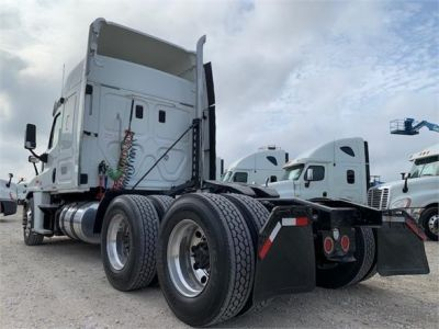 USED 2012 FREIGHTLINER CASCADIA 125 SLEEPER TRUCK #3201-6