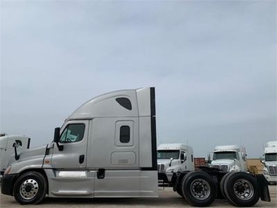USED 2016 FREIGHTLINER CASCADIA 125 SLEEPER TRUCK #3239-5