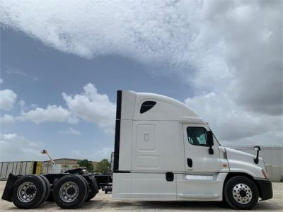 USED 2016 FREIGHTLINER CASCADIA 125 SLEEPER TRUCK #3246-4