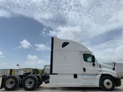 USED 2016 FREIGHTLINER CASCADIA 125 SLEEPER TRUCK #3247-4