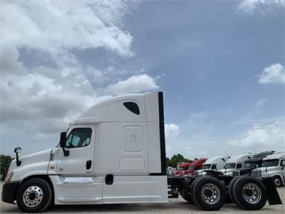 USED 2016 FREIGHTLINER CASCADIA 125 SLEEPER TRUCK #3247-5