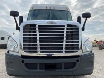 USED 2016 FREIGHTLINER CASCADIA 125 SLEEPER TRUCK #3366-2