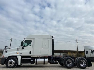USED 2016 FREIGHTLINER CASCADIA 125 SLEEPER TRUCK #3366-5