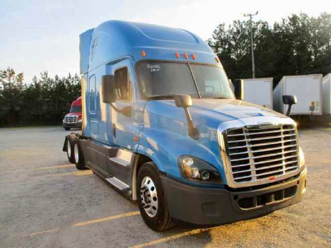 USED 2016 FREIGHTLINER CASCADIA 125 EVOLUTION SLEEPER TRUCK #10867-12