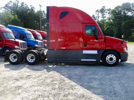 USED 2016 FREIGHTLINER CASCADIA 125 EVOLUTION SLEEPER TRUCK #10867-3