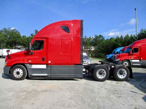 USED 2016 FREIGHTLINER CASCADIA 125 EVOLUTION SLEEPER TRUCK #10867-5