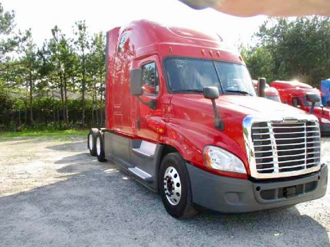 USED 2016 FREIGHTLINER CASCADIA 125 EVOLUTION SLEEPER TRUCK #10867-6