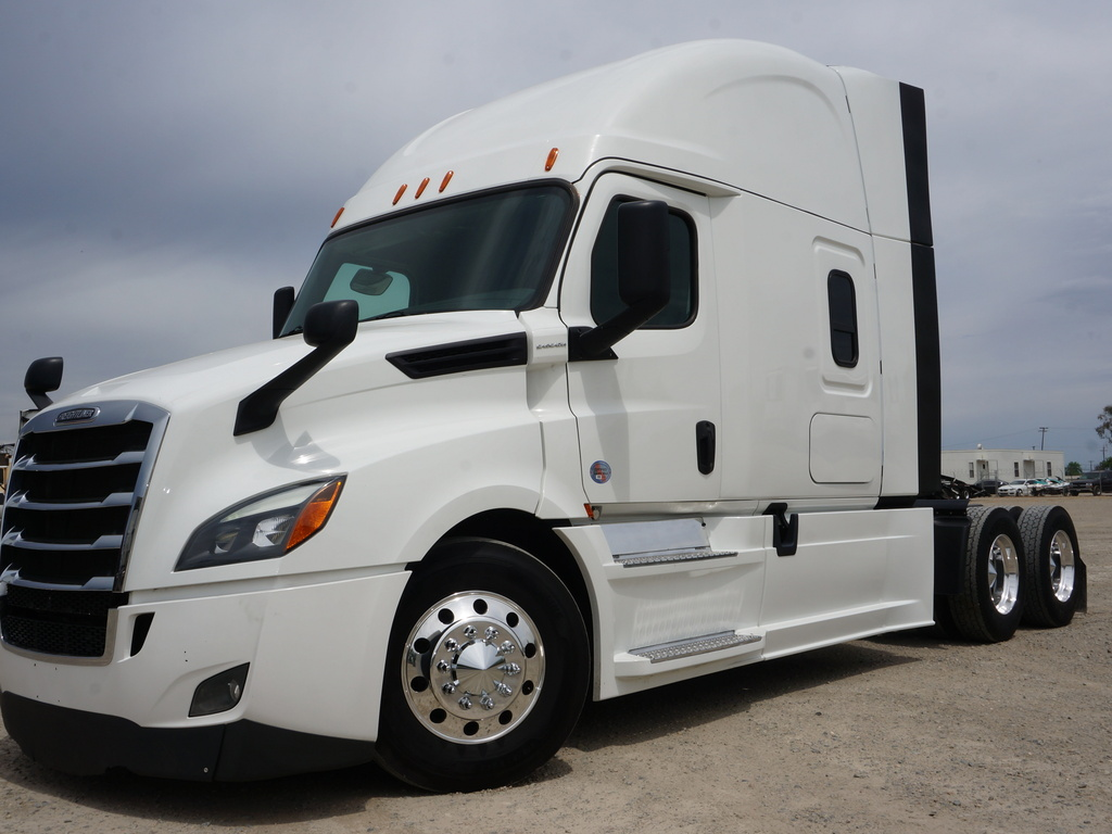 2018 FREIGHTLINER CASCADIA TANDEM AXLE SLEEPER FOR SALE #11385