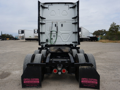 2018 FREIGHTLINER CASCADIA TANDEM AXLE SLEEPER FOR SALE #11386
