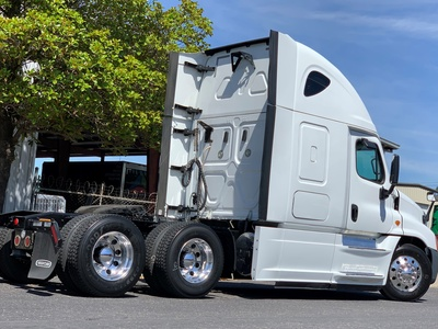 USED 2016 FREIGHTLINER CASCADIA 125 EVOLUTION TANDEM AXLE SLEEPER TRUCK #11404-2