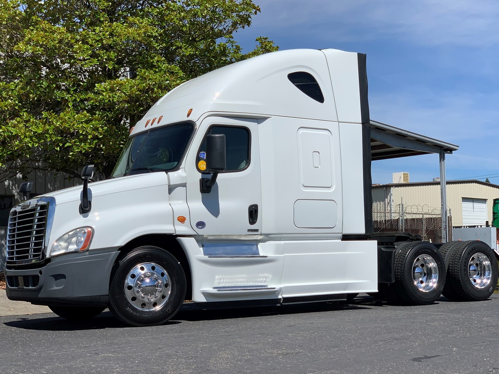 USED 2016 FREIGHTLINER CASCADIA 125 EVOLUTION TANDEM AXLE SLEEPER TRUCK #12221