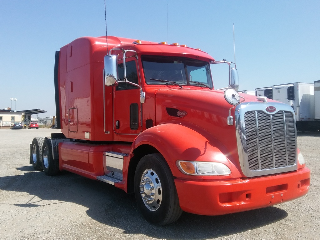 USED 2012 PETERBILT 386 TANDEM AXLE SLEEPER TRUCK #7023