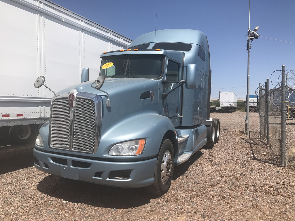 USED 2012 KENWORTH T660 TANDEM AXLE SLEEPER TRUCK #8657