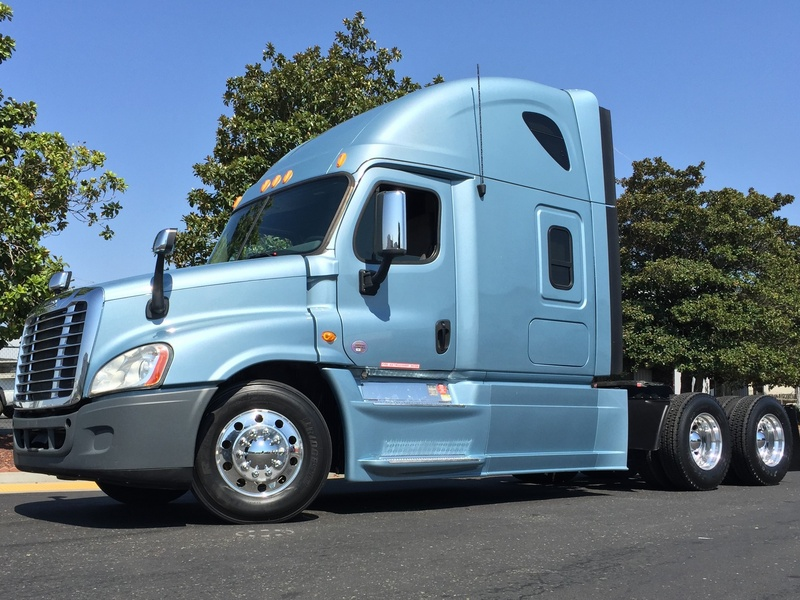 USED 2015 FREIGHTLINER CASCADIA 125 EVOLUTION TANDEM AXLE SLEEPER TRUCK #8696