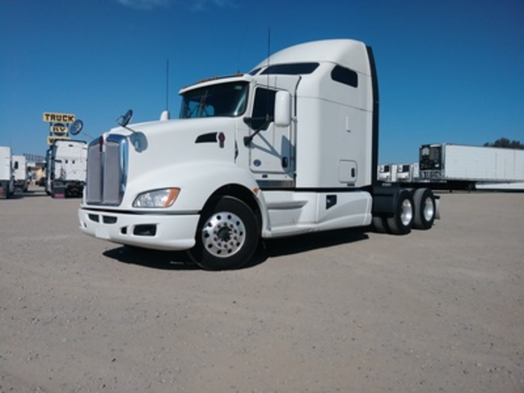 USED 2014 KENWORTH T660 TANDEM AXLE SLEEPER TRUCK #8857