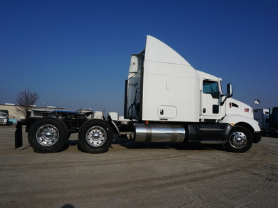 USED 2013 KENWORTH T660 TANDEM AXLE SLEEPER TRUCK #8892-13