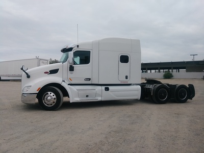 USED 2015 PETERBILT 579 TANDEM AXLE SLEEPER TRUCK #8936-14