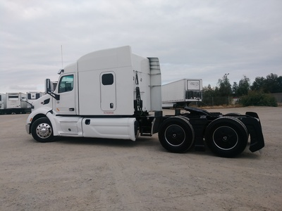 USED 2015 PETERBILT 579 TANDEM AXLE SLEEPER TRUCK #8936-8