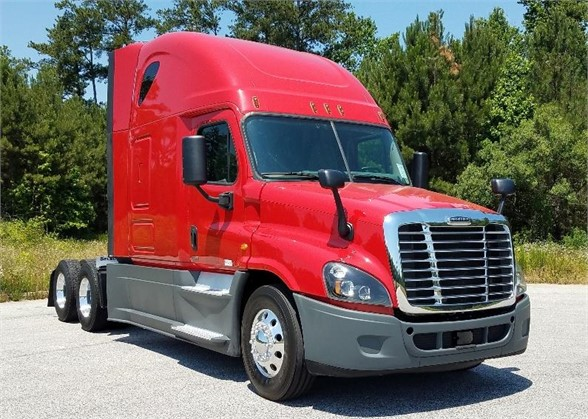 USED 2015 FREIGHTLINER CASCADIA 125 SLEEPER TRUCK #1032