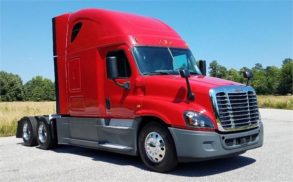 USED 2015 FREIGHTLINER CASCADIA 125 SLEEPER TRUCK #1041