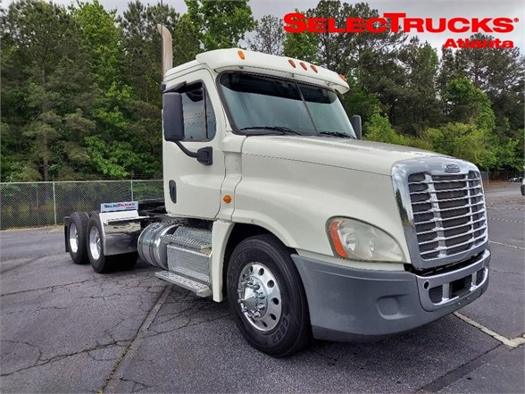 USED 2013 FREIGHTLINER CASCADIA 125 DAYCAB TRUCK #1673
