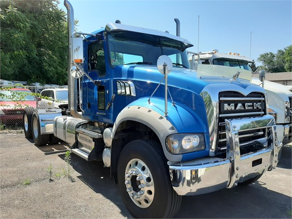 USED 2016 MACK GRANITE GU713 DAYCAB TRUCK #1035