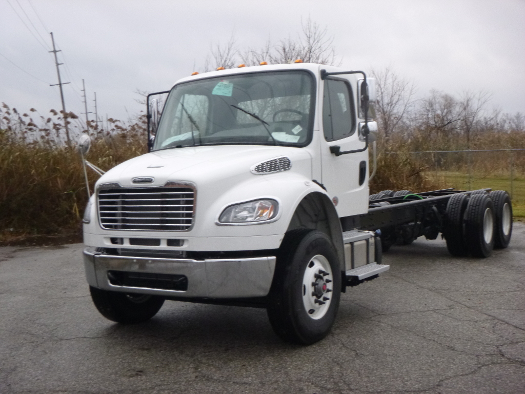 NEW 2020 FREIGHTLINER M2 106 CAB CHASSIS TRUCK #12696