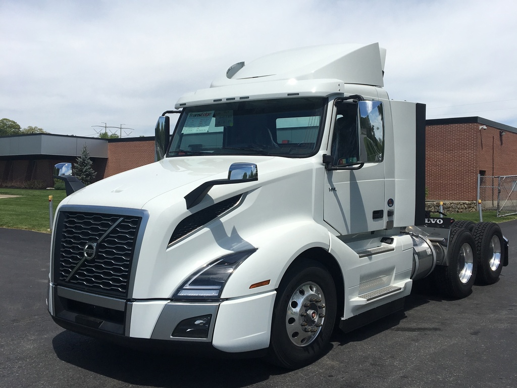 NEW 2018 VOLVO VNL300 TANDEM AXLE DAYCAB TRUCK #1258