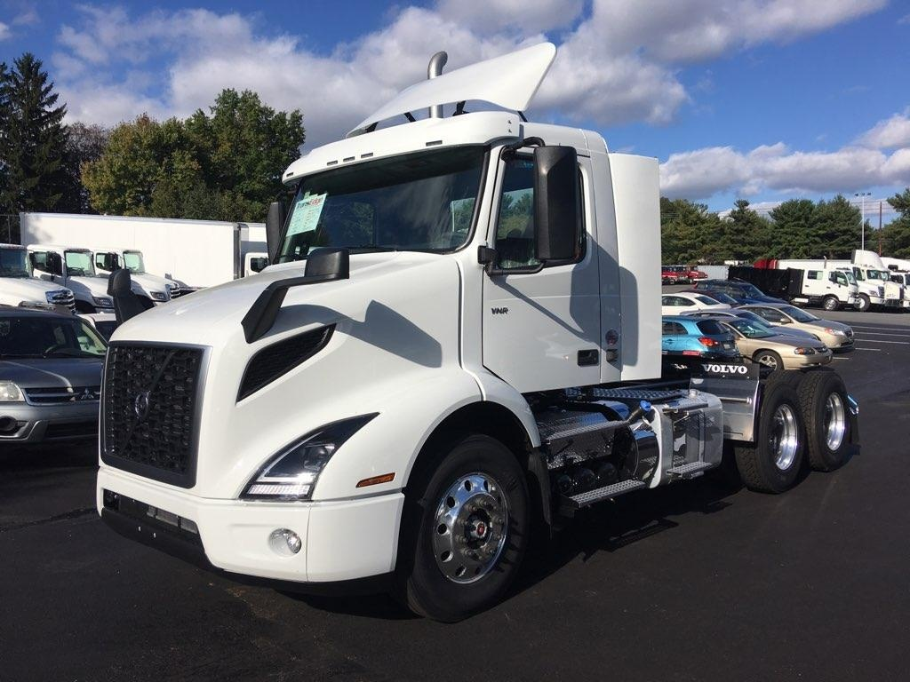 NEW 2019 VOLVO VNR64T300 TANDEM AXLE DAYCAB TRUCK #1310