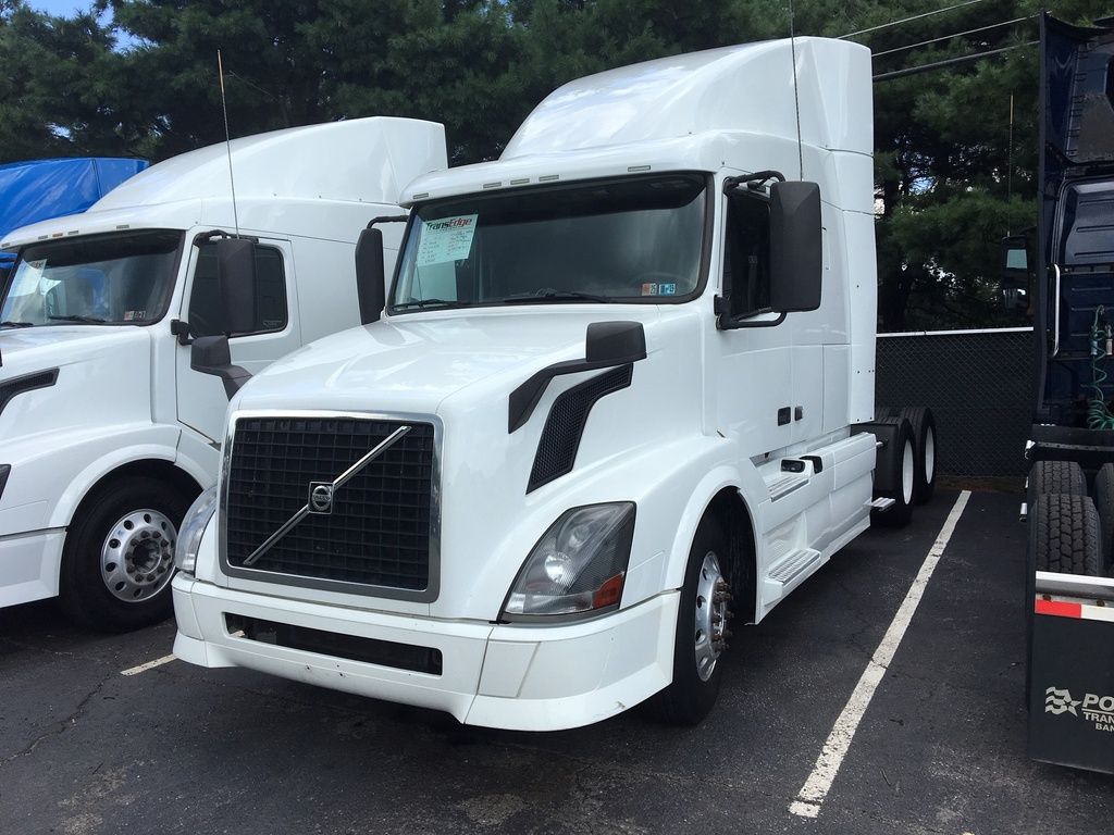 USED 2014 VOLVO VNL630 TANDEM AXLE SLEEPER TRUCK #1393