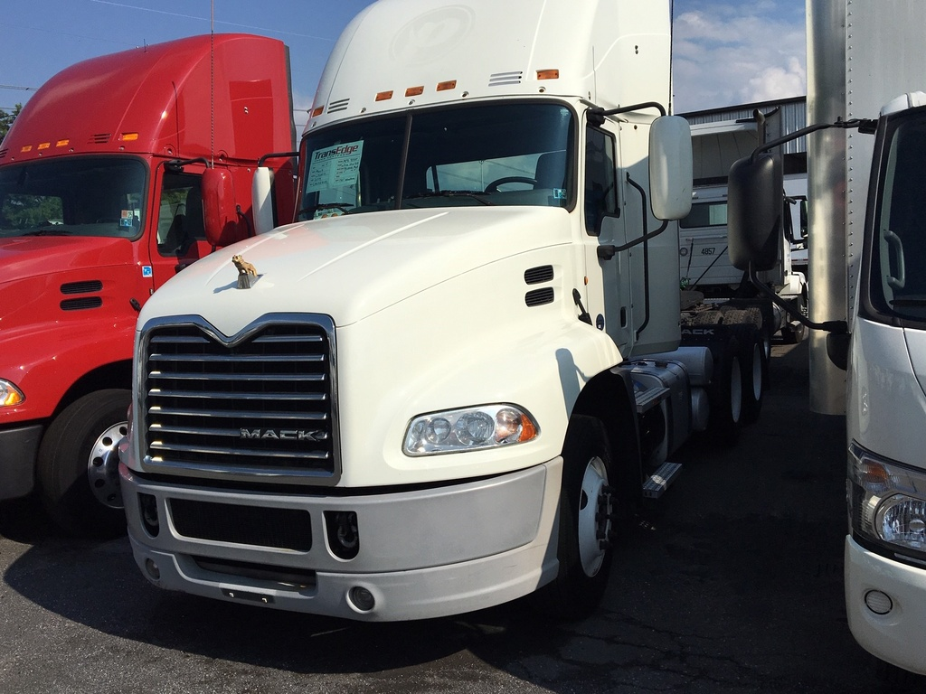 USED 2014 MACK CXU613 SINGLE AXLE DAYCAB TRUCK #1407