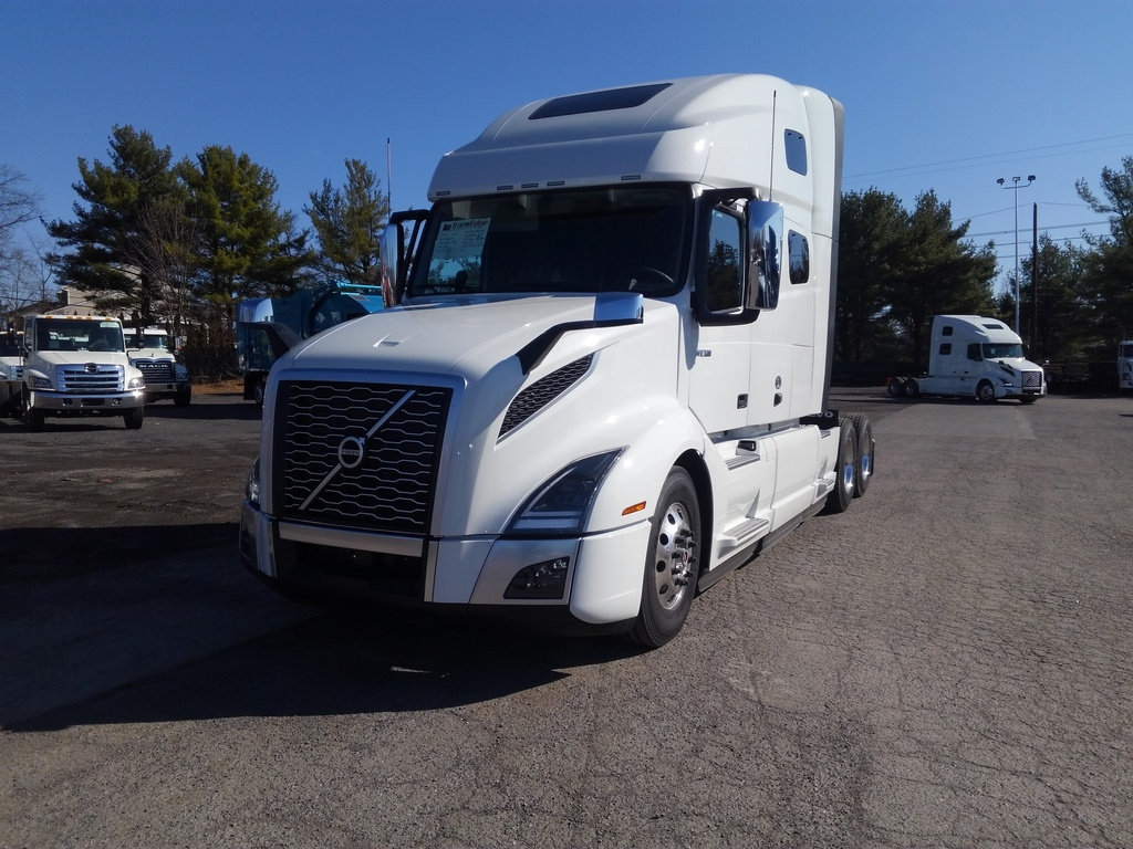 NEW 2021 VOLVO VNL64T760 TANDEM AXLE SLEEPER TRUCK #1465