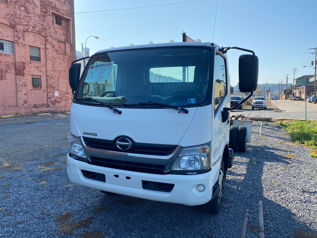 USED 2014 HINO 195 CAB CHASSIS TRUCK #1571