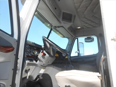 USED 2007 FREIGHTLINER COLUMBIA PRE EMISSIONS ROLLBACK TRUCK #6460-12