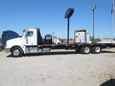 USED 2007 FREIGHTLINER COLUMBIA PRE EMISSIONS ROLLBACK TRUCK #6460-8