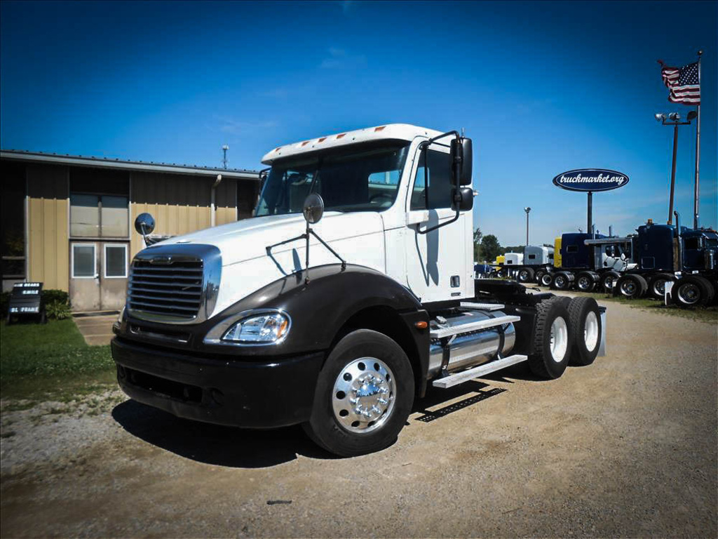 USED 2006 FREIGHTLINER COLUMBIA TANDEM AXLE DAYCAB TRUCK #6609