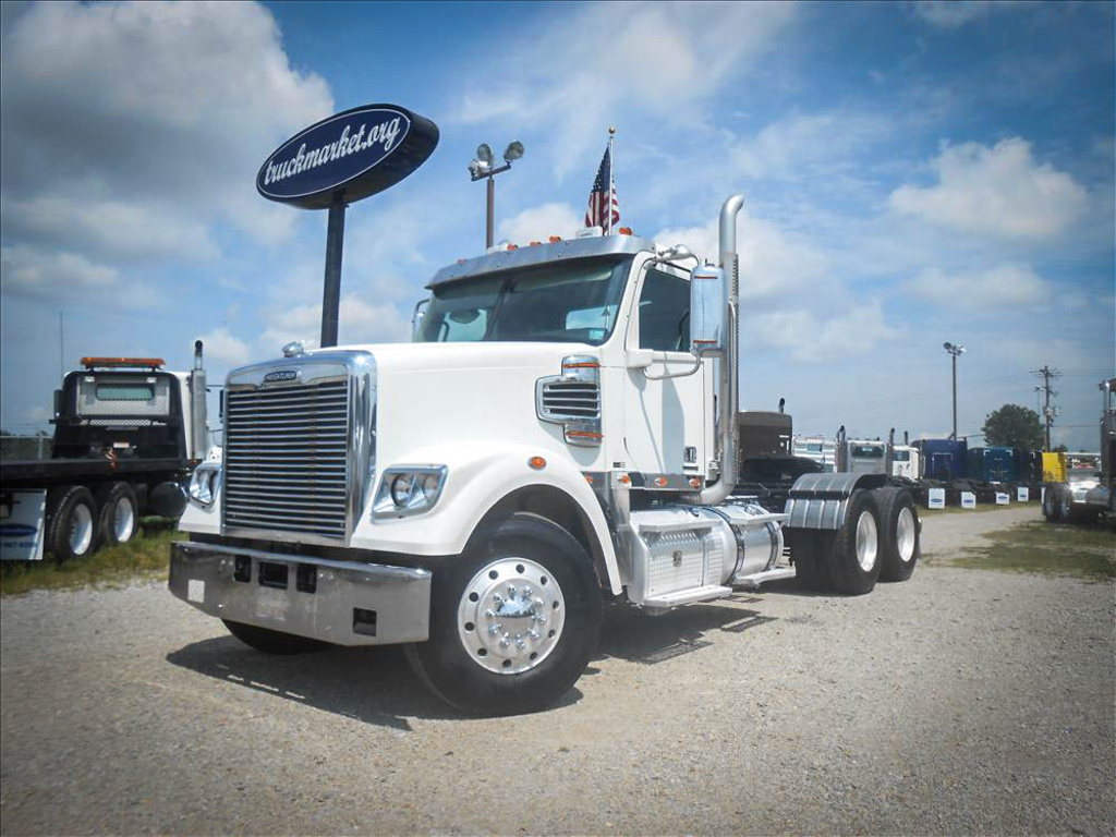 USED 2014 FREIGHTLINER CORNADO TANDEM AXLE DAYCAB TRUCK #6673