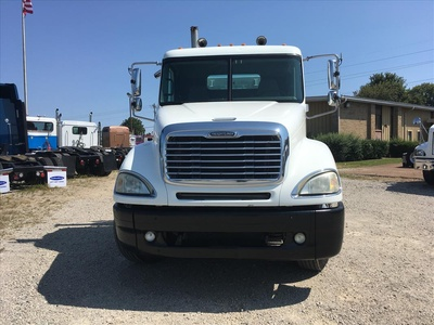 USED 2006 FREIGHTLINER COLUMBIA TANDEM AXLE DAYCAB TRUCK #6676-2
