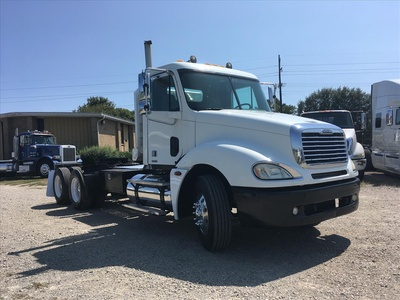 USED 2006 FREIGHTLINER COLUMBIA TANDEM AXLE DAYCAB TRUCK #6676-3