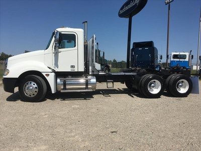 USED 2006 FREIGHTLINER COLUMBIA TANDEM AXLE DAYCAB TRUCK #6676-8