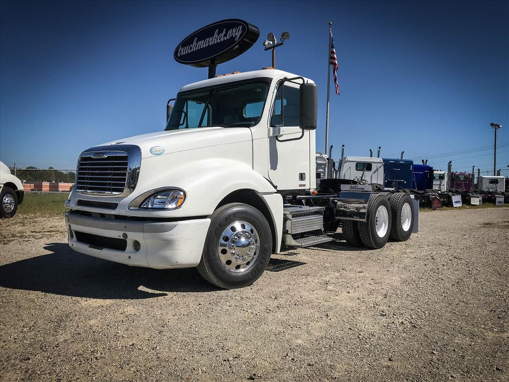 USED 2009 FREIGHTLINER COLUMBIA TANDEM AXLE DAYCAB TRUCK #6717