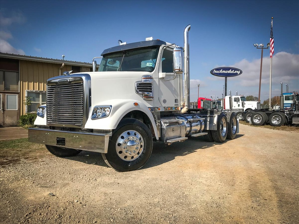 USED 2014 FREIGHTLINER CORNADO TANDEM AXLE DAYCAB TRUCK #6736