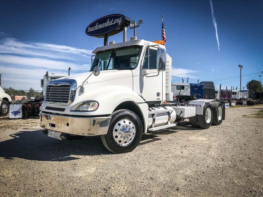 USED 2009 FREIGHTLINER COLUMBIA TANDEM AXLE DAYCAB TRUCK #6752