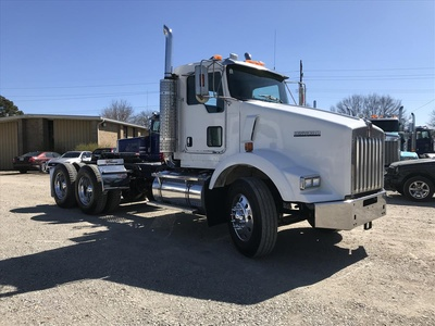 USED 2005 KENWORTH T800 TANDEM AXLE DAYCAB TRUCK #6844-3