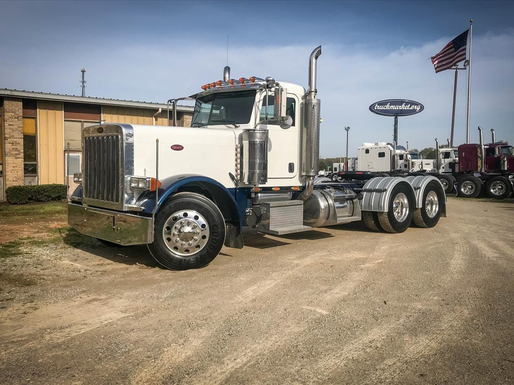 USED 2006 PETERBILT 379EXHD TANDEM AXLE DAYCAB TRUCK #6947