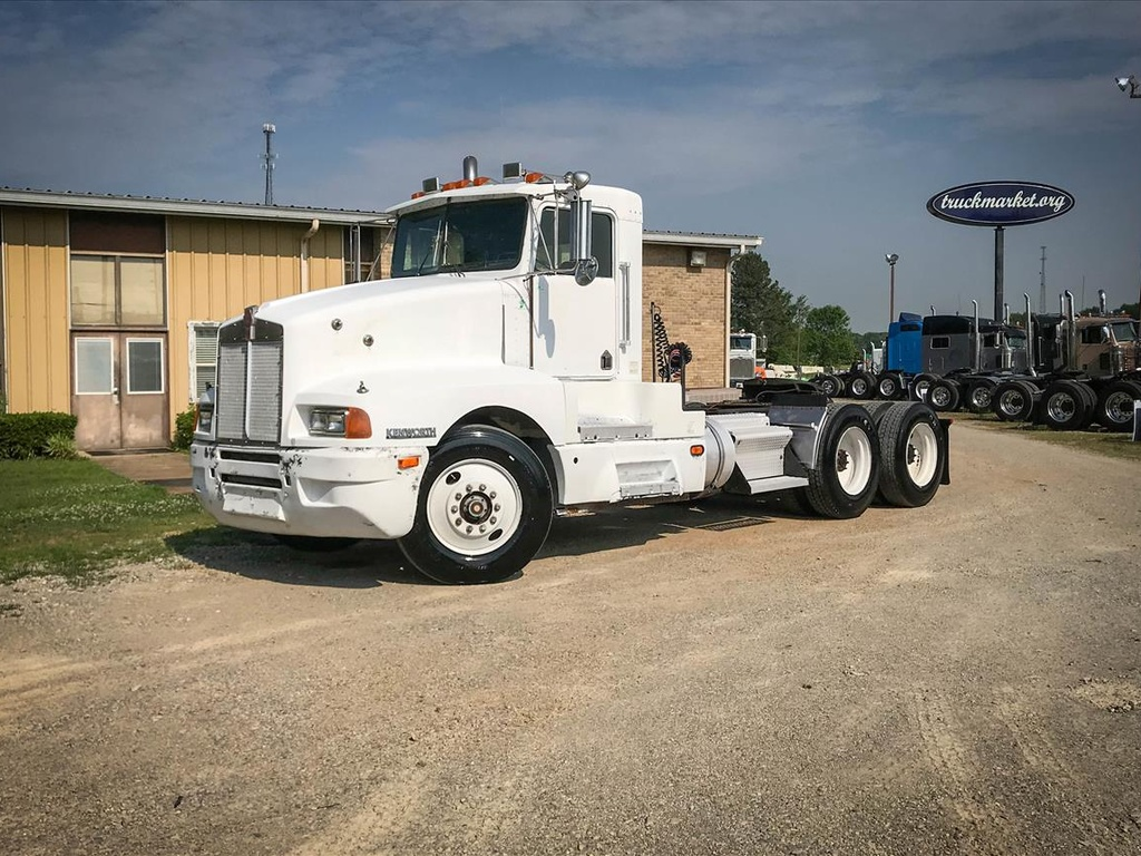 USED 1989 KENWORTH T600 TANDEM AXLE DAYCAB TRUCK #7034